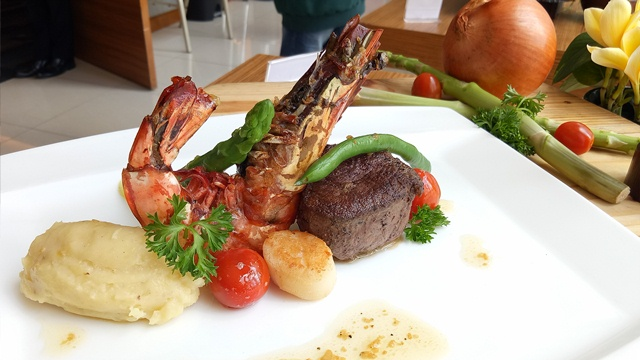 Mixed Grill Tenderloin, King Prawn, and Scallop